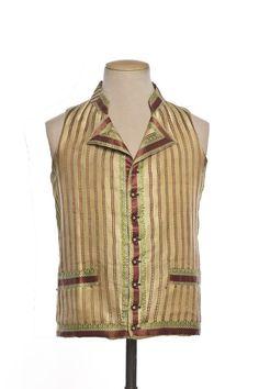 Vest, 1785-1789, France, Silk twill embroidered linen. ©Photo Les Arts Décoratifs, Paris / Jean Tholance