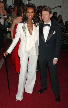 David Bowie at the Costume Institute Gala in 2007 - In Honor of David Bowie's New Single - 20 Great Bowie Photos - Photos