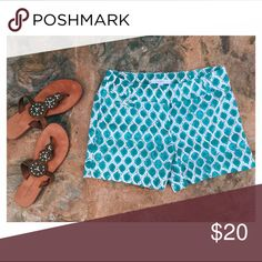Anne Taylor LOFT printed Linen shorts Cute & comfy linen short in Teal and grey honeycomb print. Perfect to dress up with heels or wear casual with sandals. Excellent condition. LOFT Shorts