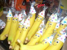 Traktatie banaan met feestmuts