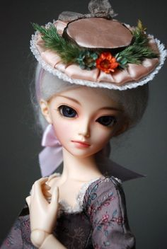 Marie-Antoinette BJD Hat Tutorial - the instructions are such can be altered for any size doll