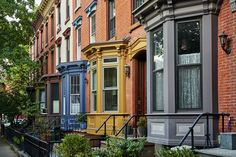 The Ultimate Guide to Finding Apartments for Rent in Brooklyn / Searching for a new apartment? Check out this guide to finding apartments for rent in Brooklyn! Paying Off Mortgage Faster, We Buy Houses, Million Dollar Homes, Mortgage Rates, Mortgage Payment, Real Estate Services, Home Ownership, House Prices, Facades