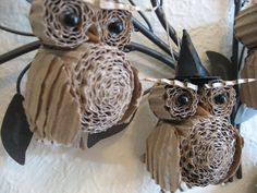 "DIY owls in cardboard. change the hat from ""Halloween"" to a Christmas hat to make ornaments."