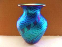 ASTONISHINGLY Beautiful NEW Iridescent LUNDBERG Art Glass VASE Amazing DESIGNS