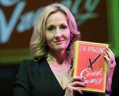 """A editora Nova Fronteira lançou um hotsite especial para o novo livro de J. K. Rowling, autora da aclamada série Harry Potter. Nele, os leitores ansiosos podem ler as 36 primeiras páginas do primeiro capítulo """"Morte Súbita"""" (The Casual Vacancy)."""