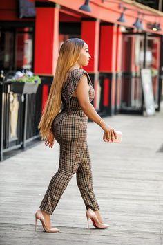 Grid Print Irregular Deep V Petite Jumpsuit Curvy Women Fashion, Plus Size Fashion, Chic Outfits, Fashion Outfits, Petite Jumpsuit, Spring Work Outfits, Trend Fashion, Edgy Style, African Fashion Dresses