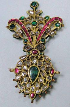 Diamod, ruby, emerald and gold Mughal brooch
