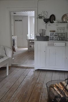 great wide plank floors w white furniture White Furniture, Home Decor Furniture, Distressed Wood Floors, Wide Plank Flooring, Wood Flooring, Pine Floors, Kitchen Interior, Decoration, Home Kitchens