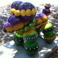 Paw de Gras Final - PAWS ON PARADE BEAD ODG SCULPTURE- New Orleans mardi gras themed balloon dog sculpture taken on st charles ave. ( no longer on display)
