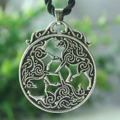 1pcs Knot Horse Triskele Pendant Equine Jewelry Goddess Epona Necklace Celt Inverurie Horse pendant viking men necklace