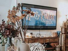 """Des bons films à regarder en famille ? OK, bonne idée mais lesquels ? Confinement, quarantaine, """"quatorzaine"""" ou seulement envie de rester bien au chaud Roger Rabbit, Shrek, Bons Films, Madame Doubtfire, Jumanji, Film Disney, Despicable Me, Envy, The Addams Family"""