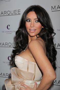 Kim Kardashians gorgeous, brunette hairstyle