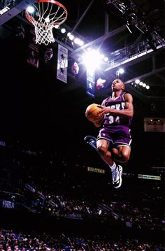 Ray Allen when he played for our Milwaukee Bucks Uconn Basketball, Girls Basketball Shoes, Basketball Is Life, Basketball Pictures, Basketball Legends, Sports Pictures, Basketball Players, Basketball Stuff, Basketball Skills
