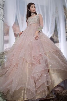 Gown Party Wear, Party Wear Indian Dresses, Indian Wedding Gowns, Pakistani Wedding Outfits, Indian Gowns Dresses, Indian Bridal Outfits, Indian Fashion Dresses, Dress Indian Style, Wedding Dresses For Girls