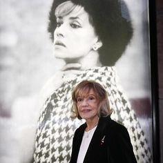 Vale #JeanneMoreau #60s #icon  Photo: Abaca  http://ift.tt/2wdtnn8  #style #movies #vintage #vintagefashion #amandaschull #60smovies #JulesandJim