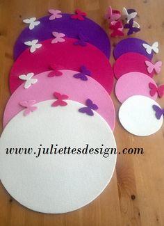 Kelebekli amerikan servis takımları. Daha fazlası için www.juliettesdesign.com Felt Butterfly table mat, coaster . For more visit www.juliettesdesign.com