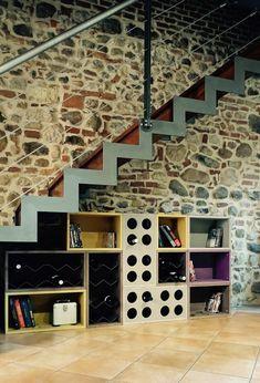 Idea arredo casa, mobile contenitore componibile, portabottiglie vino e libreria.
