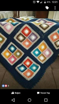 Baby items modern 64 ideas for 2019 C2c Crochet, Crochet Quilt, Crochet Squares, Love Crochet, Crochet Stitches, Crochet Baby, Granny Squares, Hand Knit Blanket, Knitted Blankets