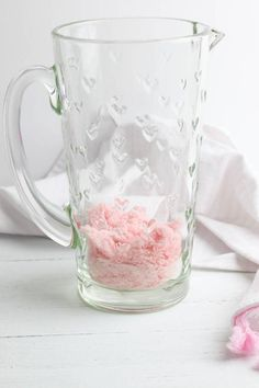 Party Food Pink Lemonade Punch Party Drinks Alcohol, Kid Drinks, Party Food And Drinks, Pink Lemonade Punch, Lemonade Punch Recipe, Valentine Drinks, Valentines, Layered Drinks, Pink Desserts