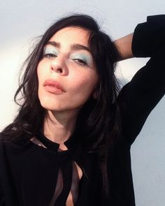 weekend-makeup-look-graphic-color-wash-eyeshadow-7