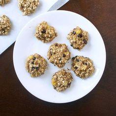 2-ingredient-banana-oat-cookies