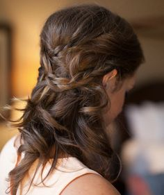 Timeless Wedding Hairstyle Ideas. http://www.modwedding.com/2014/02/22/timeless-wedding-hairstyle-ideas/