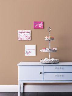 """Der herrliche Ton der Wandfarbe """"Zimt & Zucker"""" erinnert uns an den Duft köstlicher Plätzchen."""