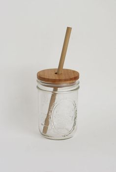 Ditch the plastic cup and straw and carry this beautiful container instead. We're very interested in creative and aesthetically pleasing ways to live a more sustainable life. This combo fits that bill perfectly. Simplify your life and take pleasure in the simple joys. Bamboo lid handmade by Schutte