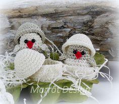 Marrot Design - Baby kylling i æggeskal Diy Crochet, Crochet Hats, Baby Chickens, Crochet Animals, Baby Design, Crochet Projects, Easter, Deco, Gifts