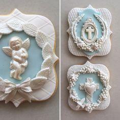 Lorena Rodriguez. Religious cookies Cookies For Kids, Fancy Cookies, Easter Cookies, Birthday Cookies, Cameo Cookies, Fondant Cookies, Fondant Flower Cake, Fondant Baby, Fondant Rose
