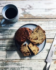 Mum out doing herself once again. I went for a visit and came home with a delicious and homemade gluten free banana & date cake. A beautiful recipe from @mydarlinglemonthyme  It was sooo good thanks mum @lee_186. Also extra enjoyable on my fresh new wares by @saltandpepperhome  . #glutenfree #mydarlinglemonthyme #saltandpepperhome #fashionforyourhome #onthetable #glutenfreetreats #bake #cake #bananabread #treats #thebakefeed #coffee #kitchen #foodblogfeed #yum