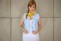 Colete feminino jeans pintado à mão da marca Coleteria ♡ - Coletes exclusivos | feminino e infantil | Coleteria ♡