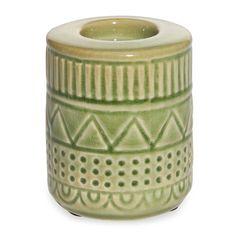 Kerzenhalter aus grüner Keramik FLAVO Jetzt bestellen unter: https://moebel.ladendirekt.de/dekoration/kerzen-und-kerzenstaender/kerzenstaender/?uid=42f534ef-1f81-5c65-a5cb-3490bbfdf1ed&utm_source=pinterest&utm_medium=pin&utm_campaign=boards #kerzen #kerzenstaender #dekoration