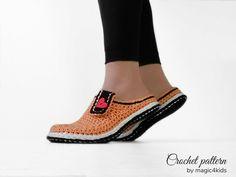 Women basic clogs crochet pattern by for purchase Crochet Shoes, Crochet Slippers, Crochet Sandals, Crochet Round, Cute Crochet, Everyday Shoes, Crochet Woman, Loafers For Women, Sock Shoes