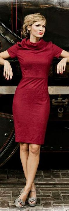 Classic cowl neckline and crimson color. Luxurious and Chic - ♔LadyLuxury♔ via @rjaho1. #dresses #chic