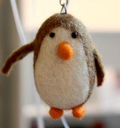 #DIY in #Berlin - wollen wir mal hoffen, dass der arme Vogel kein Pinguin ist..bei dem Wetter..nicht zu beneiden ;-)