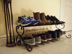 Products wrought iron shoe rack version) Teak Outdoor Furniture – The Ultimate Way To Furnish Metal Shoe Rack, Shoe Racks, Shoe Organiser, Shoe Holders, Ideas Hogar, How To Make Shoes, Shoe Storage, Diy Storage, Blacksmithing