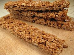 Homemade Crunchy Granola Bars these are so good and addicting! Very similar to Nature Valley granola bars. I subbed of the honey for peanut butter, didn't use cinnamon. Crunchy Granola, Homemade Granola Bars, Snack Recipes, Cooking Recipes, Healthy Recipes, Free Recipes, Cakepops, Nature Valley Granola, Macarons