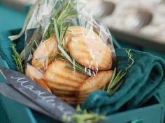 Kräuter-Madeleines ist ein Rezept mit frischen Zutaten aus der Kategorie Rührteig. Probieren Sie dieses und weitere Rezepte von EAT SMARTER!