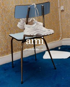 AMI Alexandre Mattiussi A/W 18 Campaign (AMI Paris) Source by chloechae campaign Shoes Editorial, Editorial Fashion, Editorial Photography, Fashion Photography, Product Photography, Fashion Still Life, Campaign Fashion, Shoe Sites, Gina Tricot