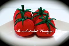 felt tomatoes . . perfect for the play kitchen.