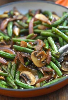 Asian Green Bean Stir-fry with mushrooms and a savory sauce is a hearty and tasty side dish you'll love with steamed rice. It's quick and easy to make in minutes and in one pan! Green Bean Mushroom Stir-fry Jen Mon jenifferlahti Food Asian Green Be Asian Green Beans, Stir Fry Green Beans, Fried Green Beans, Chinese Green Beans, Garlic Green Beans, Stir Fry Asian Greens, Asian Stir Fry, Stir Fry Vegan, Vegetarian Stir Fry