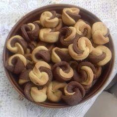 ΜΑΓΕΙΡΙΚΗ ΚΑΙ ΣΥΝΤΑΓΕΣ 2: Κουλουράκια πορτοκαλιού νηστίσιμα !!! Greek Recipes, My Recipes, Dessert Recipes, Cooking Recipes, Desserts, Koulourakia Recipe, Biscotti Cookies, Cookie Cups, Cooking Time