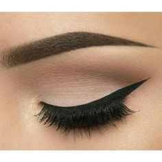 This picture is just GOALS! We are always looking for new eyeshadow looks and tutorials for eye colors. Our calendar will help you stay on top of when the latest makeup eyeshadow palettes are being released! Makeup Eyeshadow Palette, Eyeshadow Tips, Blending Eyeshadow, Eyeshadow Looks, Pigment Eyeshadow, Makeup Tips, Beauty Makeup, Hair Makeup, Prom Makeup