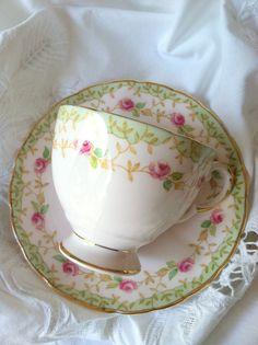 Vintage Bone China /  taza de té y platillo