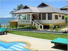 Beach house! So pretty!