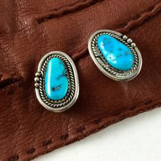 Dainty Vintage 1980s Turquoise and Silver Oblong Clip On Earrings / Southwestern…