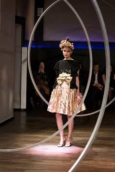 Yumi Katsura Paris Couture Collection SS 2016  Miniskirt worked with gold leaf ,with dressy tops of kimono fabric.Traditional hairpins of mizuhiki cord complete the collage./dress kimono fabric http://www.yumikatsurafrance.com
