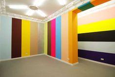 Jan van der Ploeg, No. 304, Streifen, Wandgemälde, Acryl auf Wand, 346 x 2275 cm Galerie Ruth Leuchter, Düsseldorf, 2011