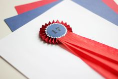 Paper rosette for the Norwegian national holiday 17 of may. DIY and photo: Wenche With